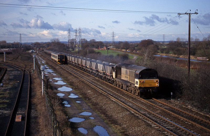 58040, mgr empties, south-east, Stenson Junction, near Derby, 4-3-98.
