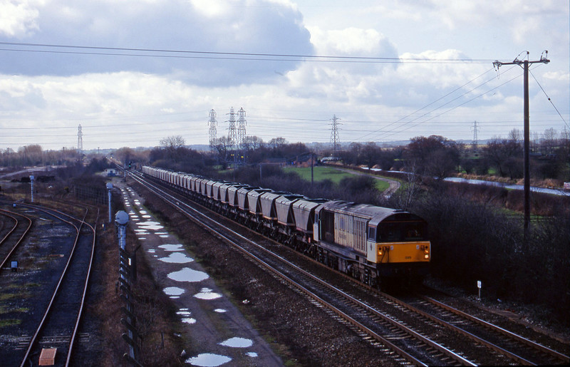 58025, mgr south to north, Stenson Junction, near Derby, 4-3-98.