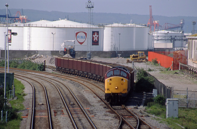 37707, 07.08 Didcot Yard-Avonmouth Bennett's Siding, Hallen Marsh Junction, Avonmouth, 6-5-98.