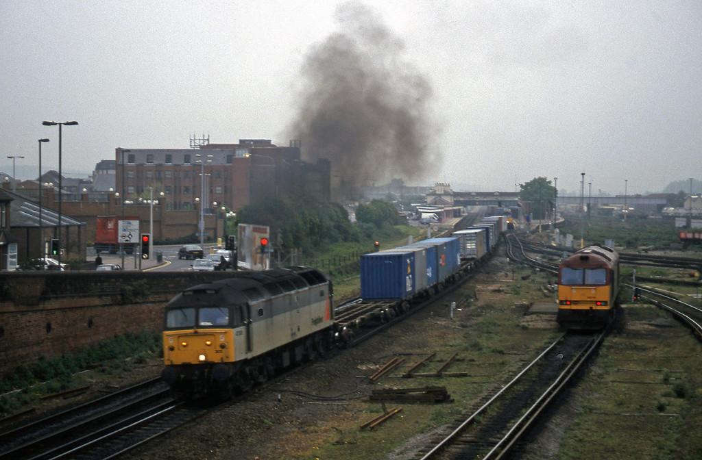 47305, 05.09 Ripple Lane-Southampton, Eastleigh, 12-5-98.