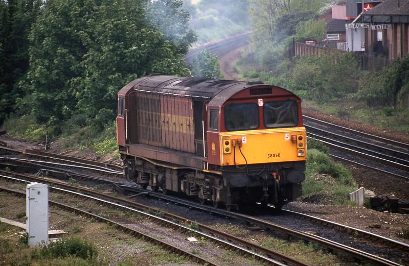 58050, stabling, Eastleigh, 12-5-98.
