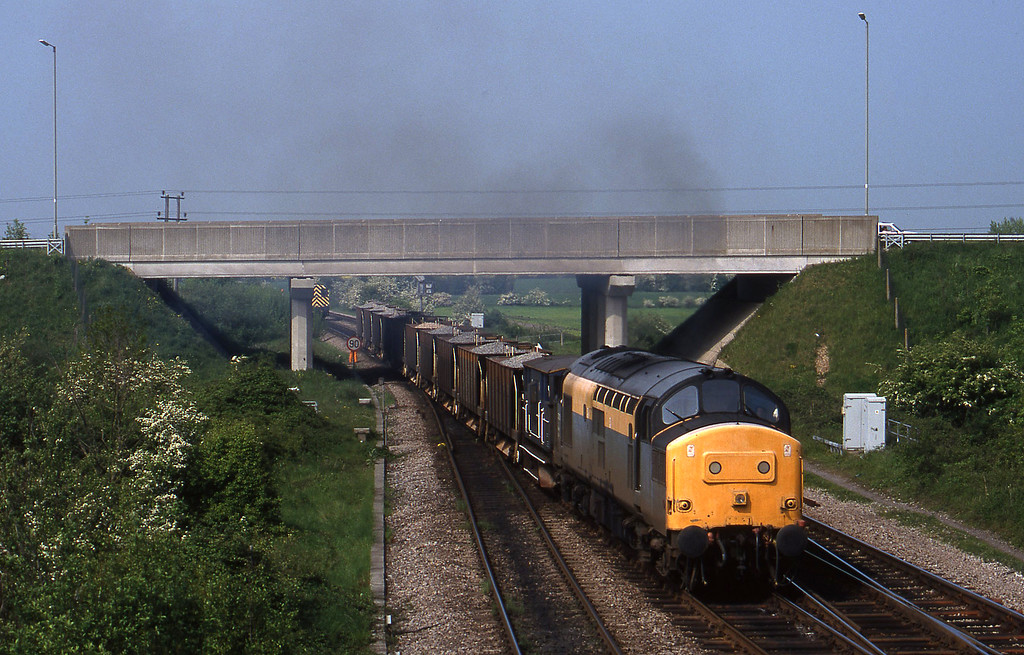 37255, departs westbound departmental, 08804 to yard, Didcot North Junction, 12-5-98.
