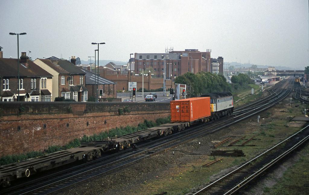 47152, 09.46 Southampton Millbrook-Cardiff Pengam, Eastleigh, 12-5-98.