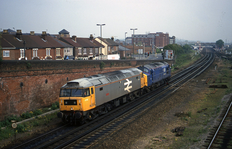 37803/47016, up light, Eastleigh, 12-5-98.