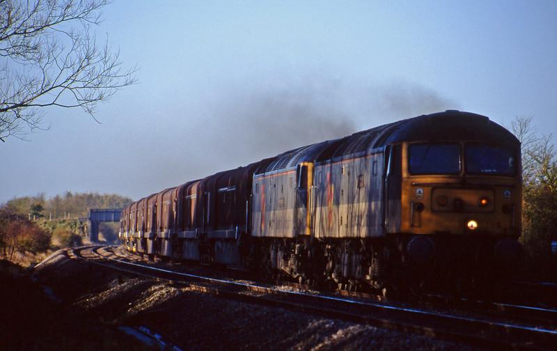 47293/47219, 08.15 Swindon Longbridge, Shrivenham, near Swindon, 10-11-98.