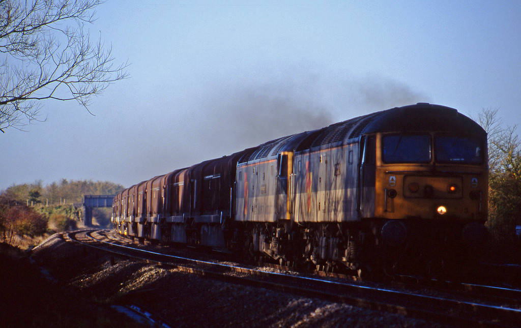 47293/47219, 08.15 Swindon Longbridge, Shrivenham, near Swindon, 10-11-98.