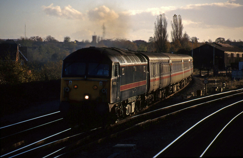 47703, down passenger, Didcot North Junction, 10-11-98.