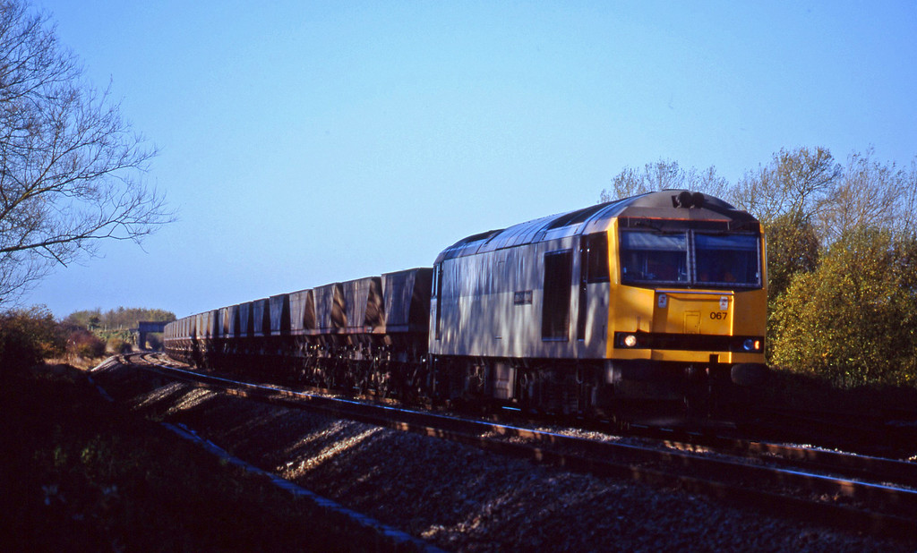 60067, Avonmouth Bulk Handling Terminal-Didcot Power Station, Shrivenham, near Swindon, 10-11-98.
