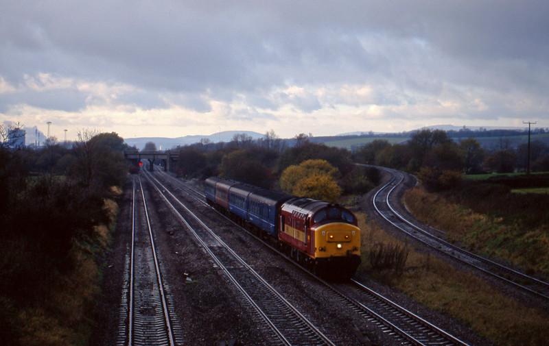 37411, 14.05 Cardiff Central-Bristol Temple Meads, Llandevenny, near Llanwern, 24-11-98.