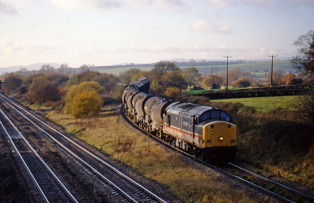37510, 14.50 Newport Alexandra Dock Junction-St Blazey, Llandevenny, near Llanwern, 24-11-98.