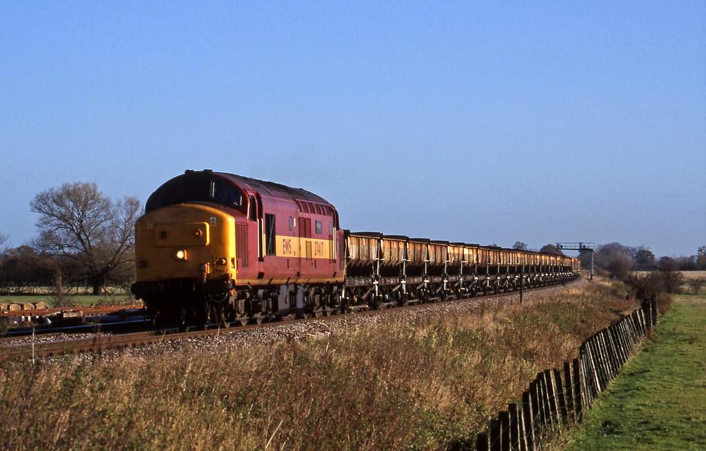 37417, down departmental, Shrivenham, near Swindon, 10-11-98.