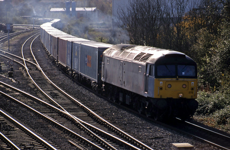 47372, 10.19 Southampton-Crewe Basford Hall, Didcot North Junction, 10-11-98. Diverted via Didcot Station for unit to overtake using east chord.