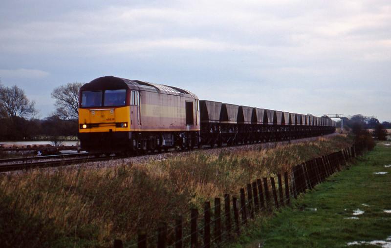 60039, Didcot Power Station-Avonmouth Bulk Handling Terminal, Shrivenham, near Swindon, 3-11-98.
