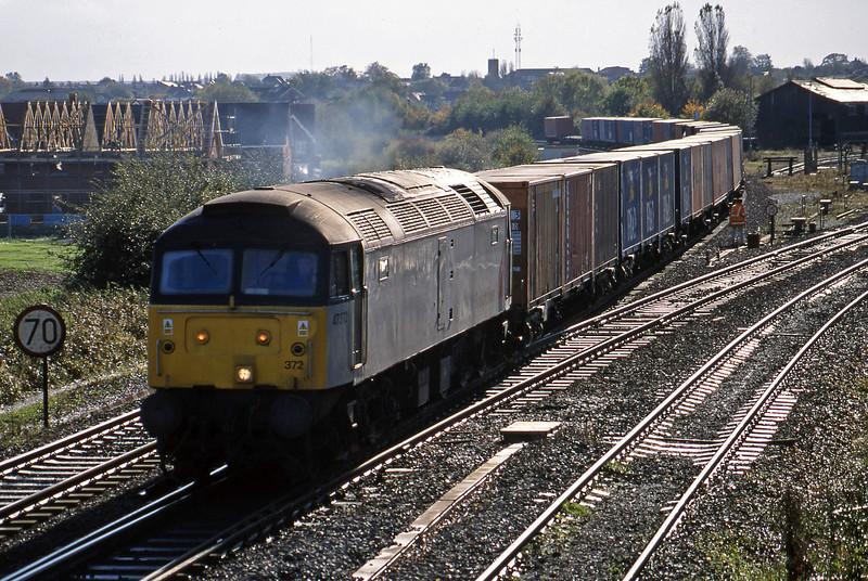 47372, 10.19 Southampton-Crewe Basford Hall, Didcot North Junction, 26-10-98.