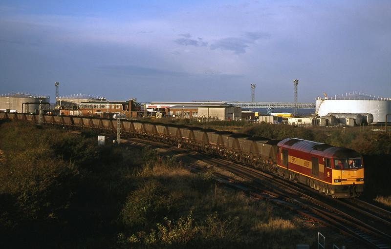 60039, 07.40 Avonmouth Bulk Handling Terminal-Didcot Power Station, Hallen Marsh, Avonmouth, 26-10-98.