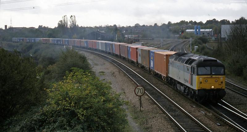 47296, 10.19 Southampton-Crewe Basford Hall, Didcot North Junction, 21-10-98.