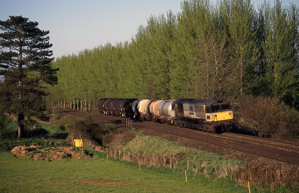 58040, 13.34 Fawley-Plymouth Tavistock Junction Yard, Beambridge, near Wellington, 9-4-99.