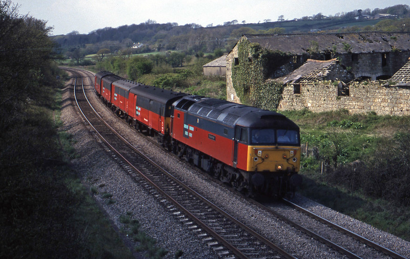 47732, 14.25 Swansea-London Paddington, Llangewydd Court Farm, near Bidgend, 27-4-99.