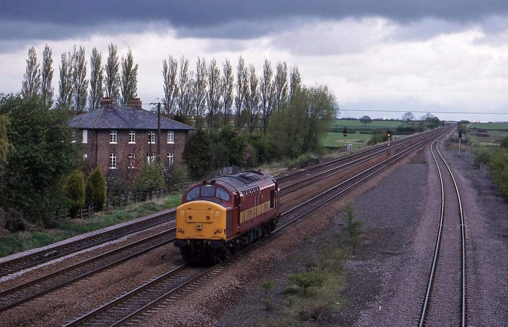 37899, down light, Bolton Percy, near York, 13-4-99.
