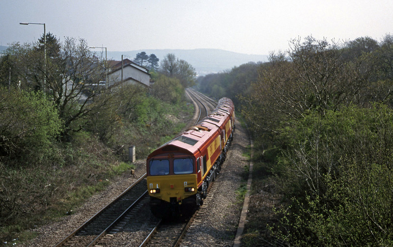 66099 etc, down light Brynna, near Bridgend, 27-4-99.
