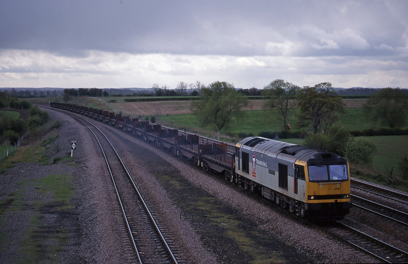 60056, 10.23 Corby-Lackenby, Bolton Percy, near York, 13-4-99.
