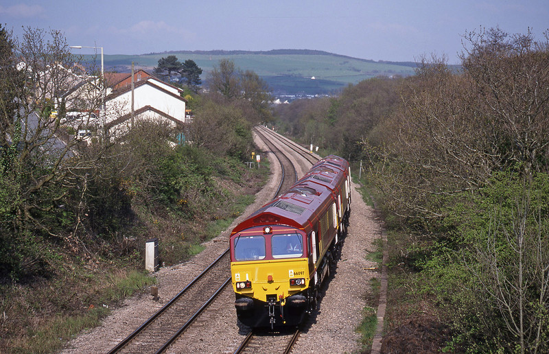 66097/66095/66096, down light, Brynna, near Bridgend, 27-4-99.