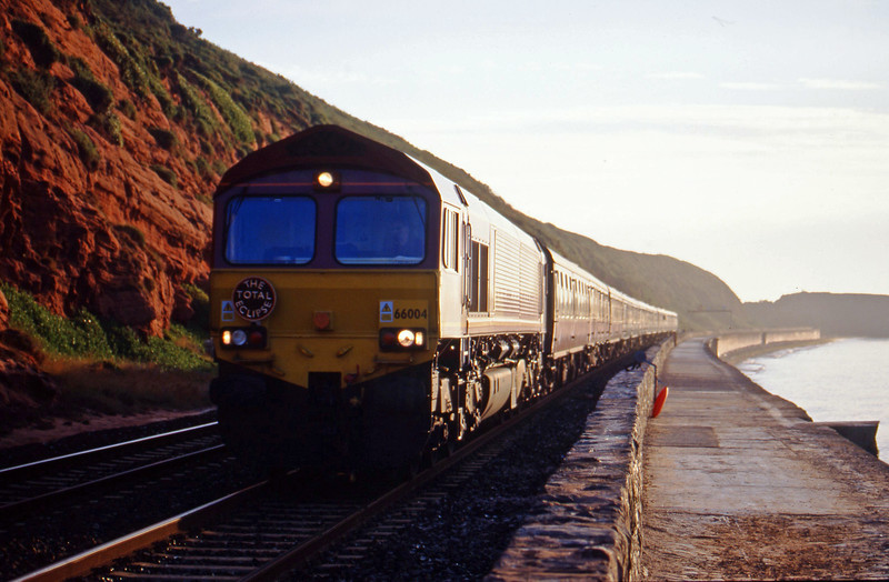 66004, 03.14 London Paddington-Penzance, Dawlish, 11-8-99.