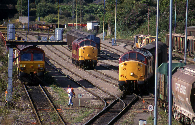 66050, 37706, 37797, down vans Newport Alexandra Dock Junction, 3-8-99.