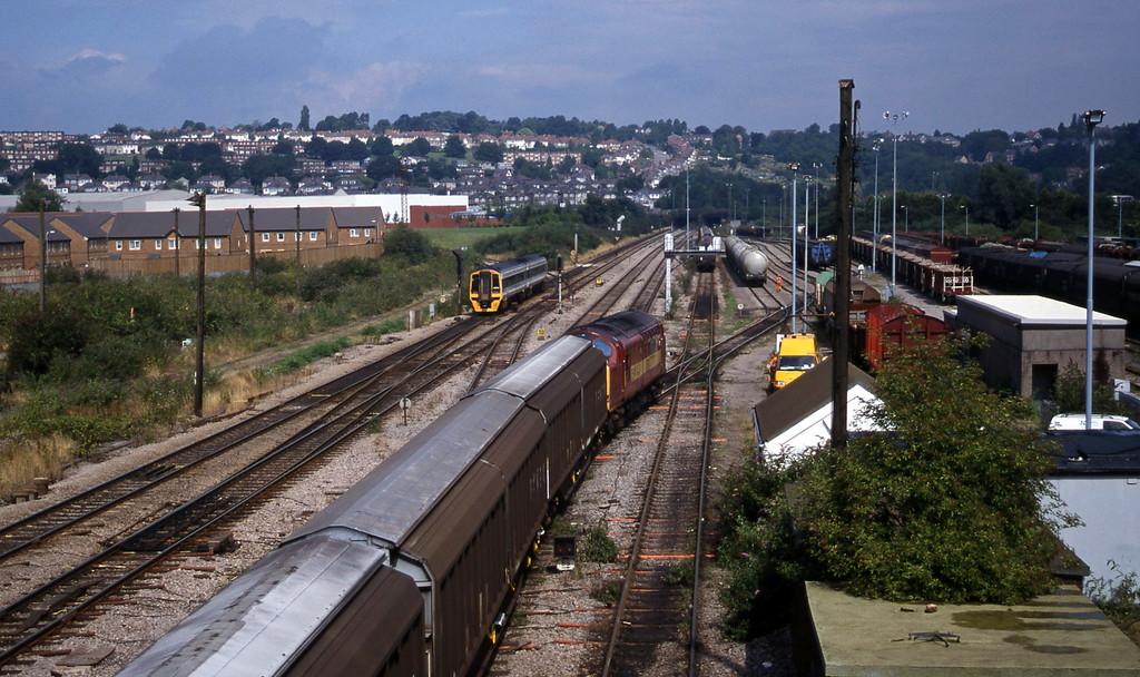 37717, up Enterprise, Newport Alexandra Dock Junction, 12-8-99.