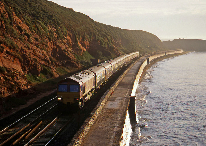 66048, 03.10 London Paddington-Penzance, Dawlish, 11-8-99, 06.56.