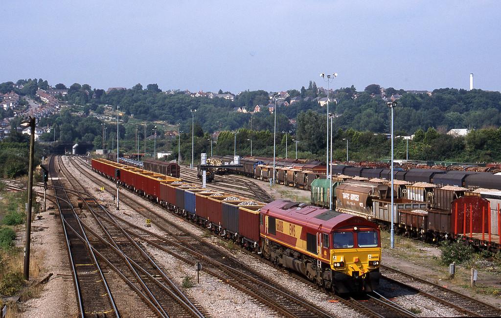 66088, 15.10 Llanwern-Cardiff Tidal, Newport Alexandra Dock Junction, 12-8-99.