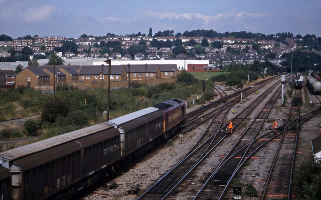 60027, 11.52 Margam-Ebbw Vale, Newport Alexandra Dock Junction, 12-8-99.
