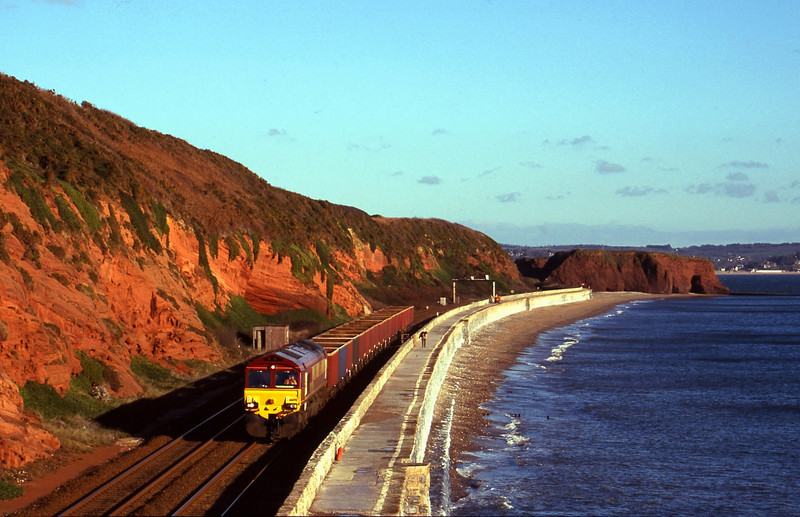 66098, unidentified down coal, Dawlish, 15-12-99.