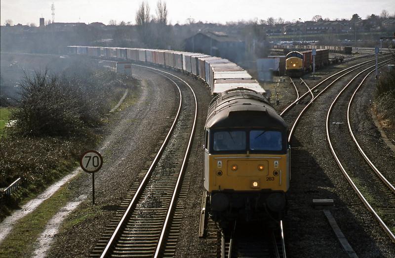 47283, 10.19 Southampton-Crewe Basford Hall, Didcot North Junction, 23-2-99.