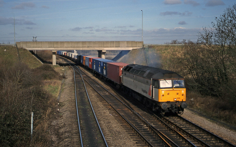 47339, 03.45 Leeds-Southampton, Didcot North Junction, 23-2-99.