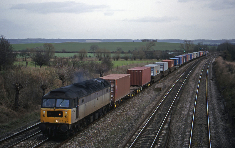 47224, 12.25 Southampton-Leeds, South Moreton, near Didcot, 16-2-99.