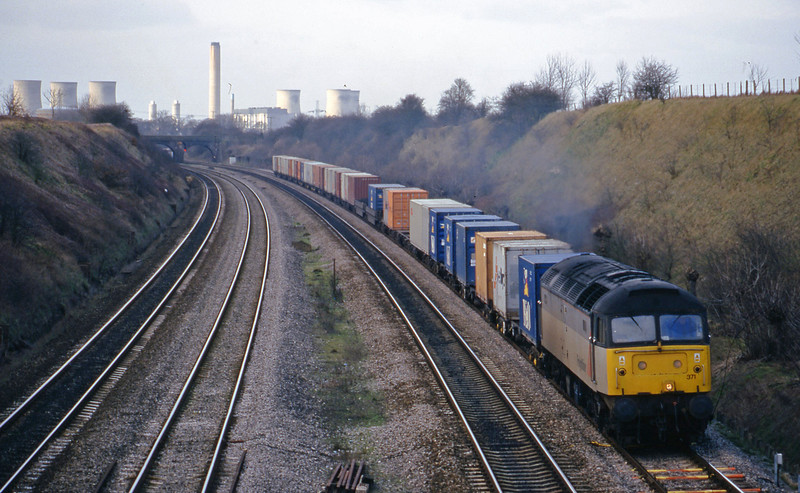 47371, 03.45 Leeds-Southampton, South Moreton, near Didcot, 16-2-99.