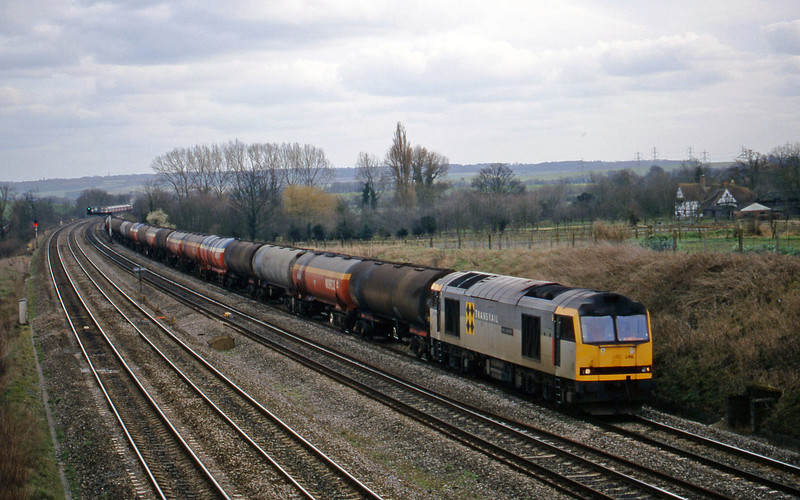 60066, 13.40 Theale-Robeston, South Moreton, near Didcot, 23-2-99.