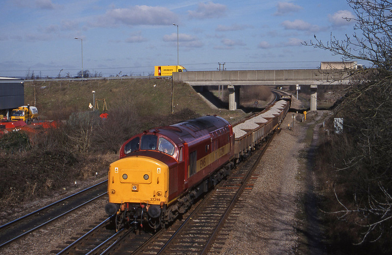 37298, westbound departmental, Didcot North Junction, 23-2-99.