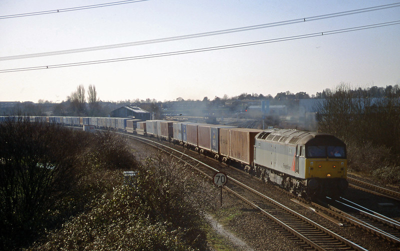 47296, down Freightliner, Didcot North Junction, 9-2-99.