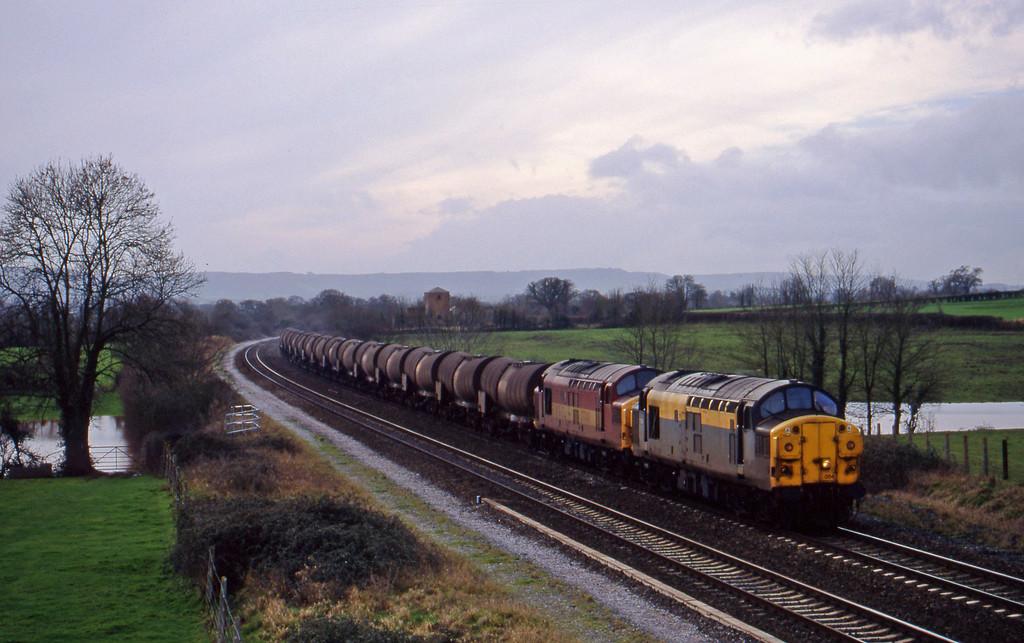 37054/37040, 09.40 Burngullow-Newport Alexandra Dock Junction, Cogload, 20-1-99.