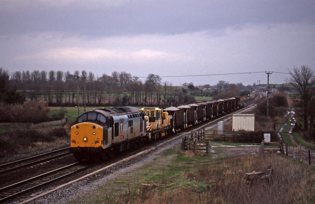 37701, down ballast, Cogload, 5-1-99.