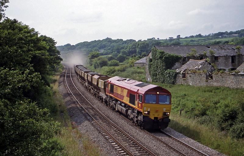 66098, up stone, Llangewydd Court Farm, near Bridgend, 2-7-99.