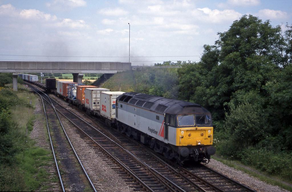 47371, 03.45 Leeds-Southampton, Didcot North Junction, 15-6-99.