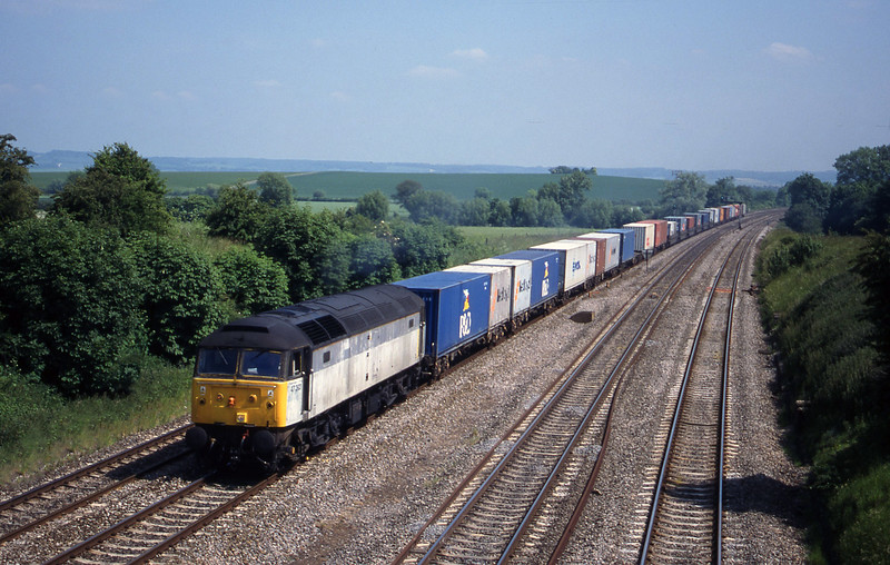 47292, 12.25 Southampton-Leeds, South Moreton,near Didcot, 1-6-99.