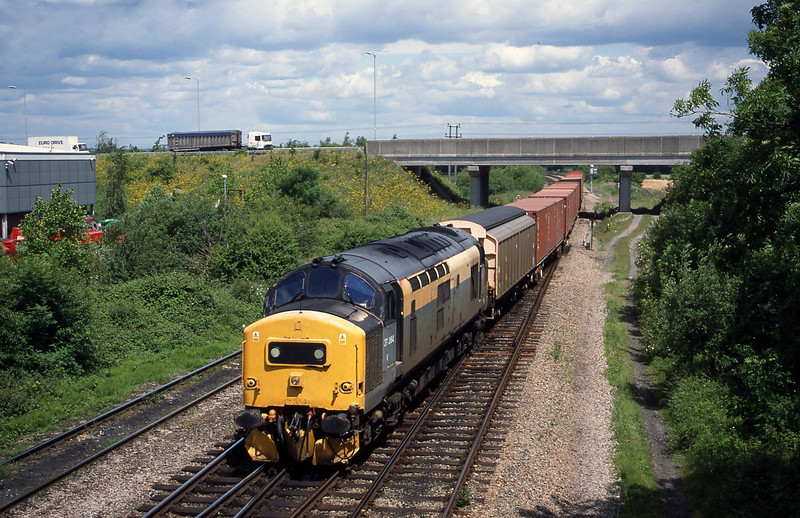 37264, 09.54 Fenny Compton-Didcot Yard, Didcot North Junction, 8-6-99.