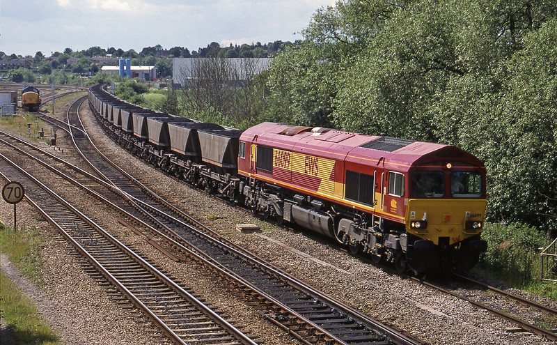 66099, down mgr, Didcot North Junction, 8-6-99.