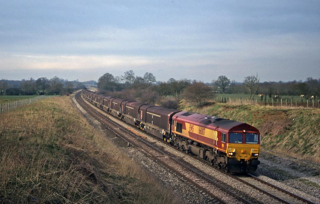 66007, 08.15 Swindon-Longbridge, Compton Beauchamp, near Swindon,  16-3-99.