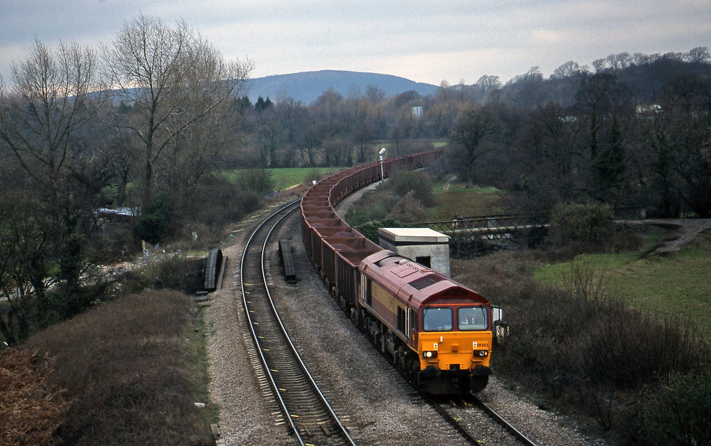 59202, Port Talbot-Llanwern, Miskin, near Cardiff, 10-3-99.