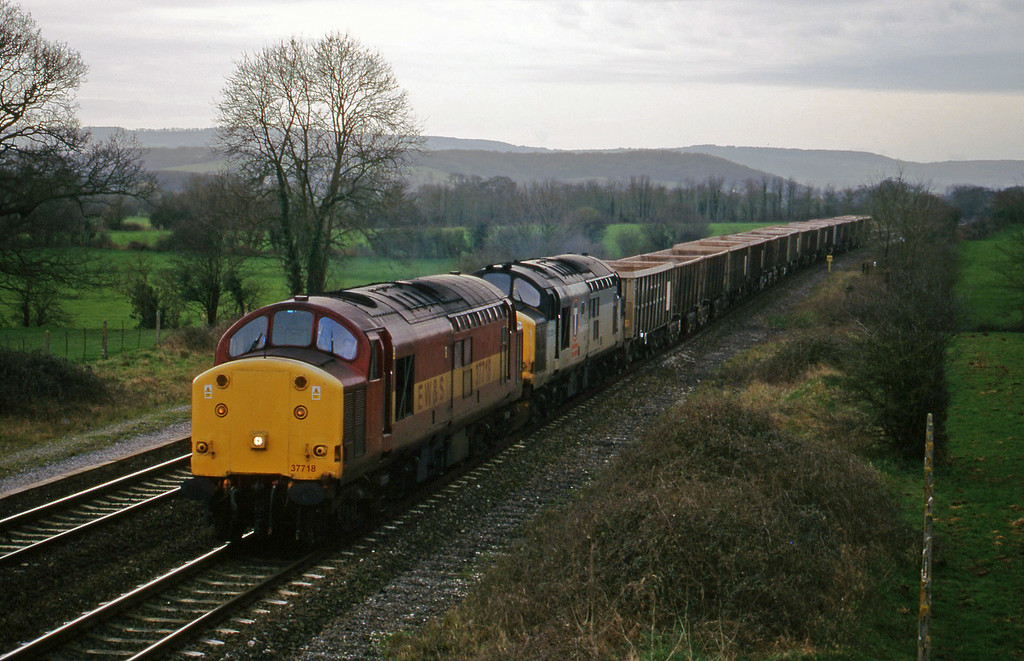 37718/37250, up stone empties, Cogload, 2-3-99.